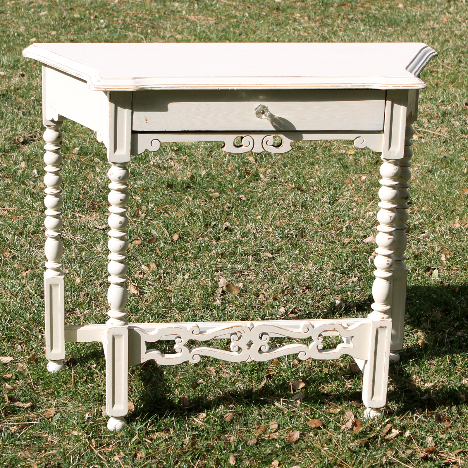 ophelia small white ornate table forever vintage rentals. Black Bedroom Furniture Sets. Home Design Ideas