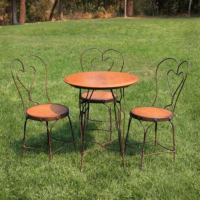 Vintage ice cream round wood table w three chairs