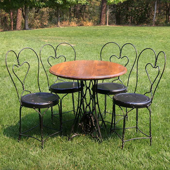 Vintage round ice cream table w four black chairs