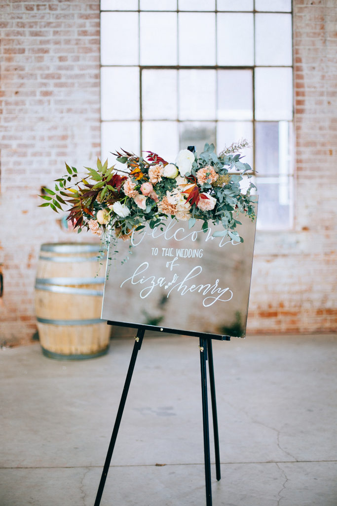 Rustic wedding decorations to rent louisville wedding the local rustic wedding decorations to rent rustic wedding decor vintage rentals junglespirit Images